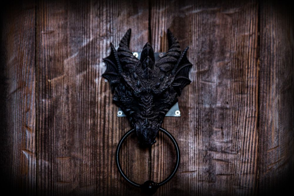 Ulaz u dvorac crne kraljice | Portal Escape